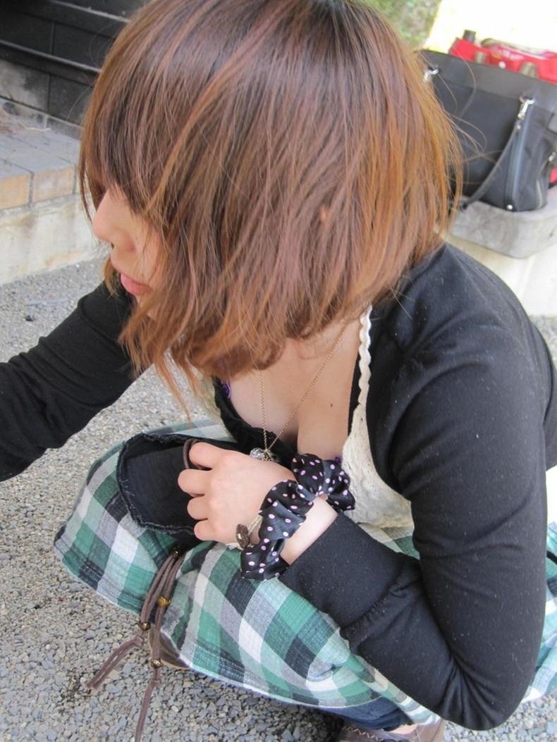 【おっぱい】スナップ撮影で素人女子が意図せず胸チラしちゃってるスナップ写真のおっぱい画像集ww【80枚】 37