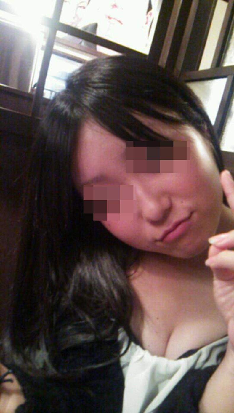 【おっぱい】スナップ撮影で素人女子が意図せず胸チラしちゃってるスナップ写真のおっぱい画像集ww【80枚】 61