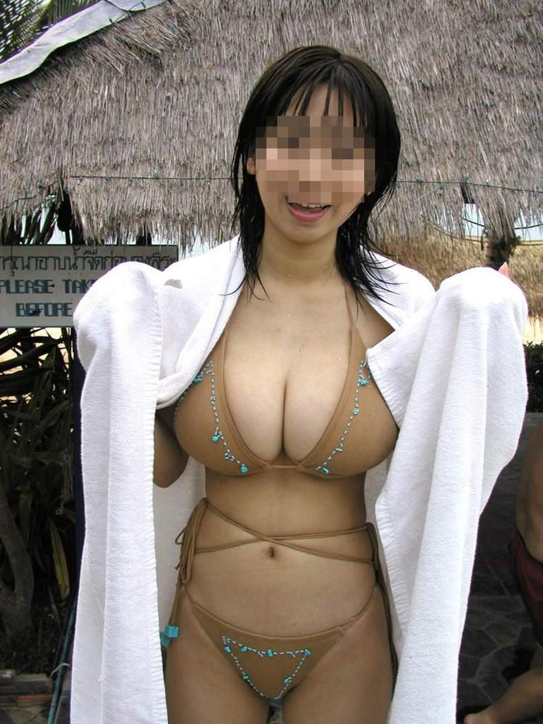 【おっぱい】ビキニから溢れる超巨乳!!スライムおっぱいが水着からハミ乳してるビキニからはみ出すおっぱい画像集ww【80枚】 13