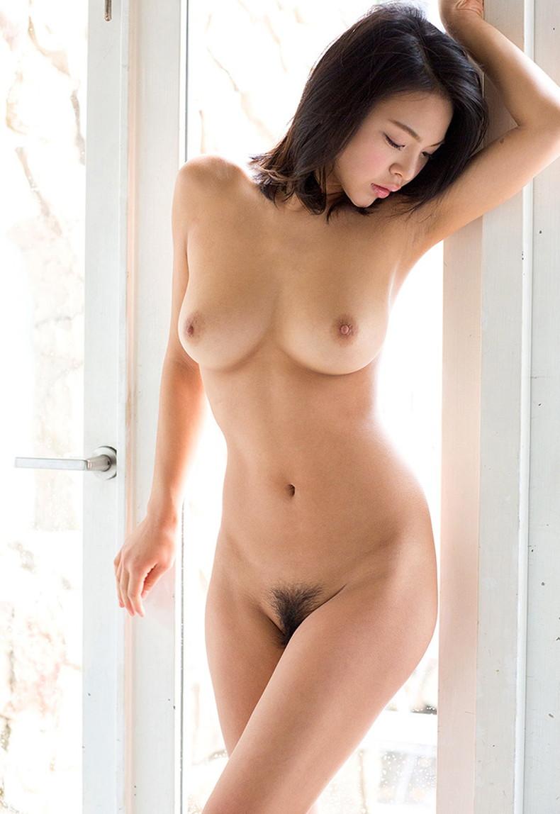 【おっぱい】オールヌードで自慢のおっぱいを露出してくれてる全裸美女のおっぱい画像集ww【80枚】 21