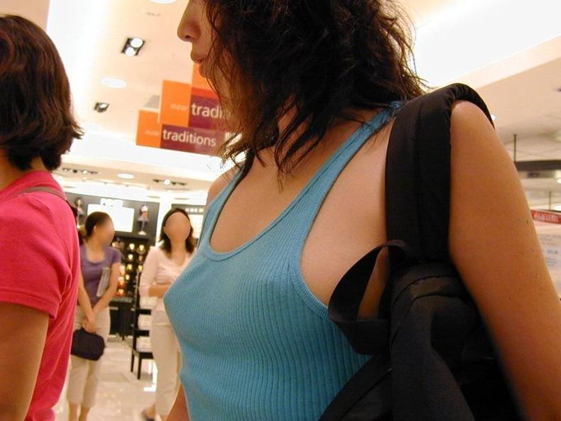 【おっぱい】ハードな勃起乳首が服を突き破りそうな勢いで胸ポチしている乳首ぽっちんのおっぱい画像集!ww【80枚】 08