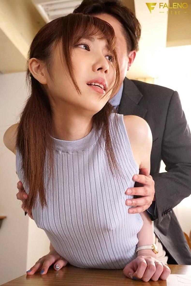 【おっぱい】ハードな勃起乳首が服を突き破りそうな勢いで胸ポチしている乳首ぽっちんのおっぱい画像集!ww【80枚】 60