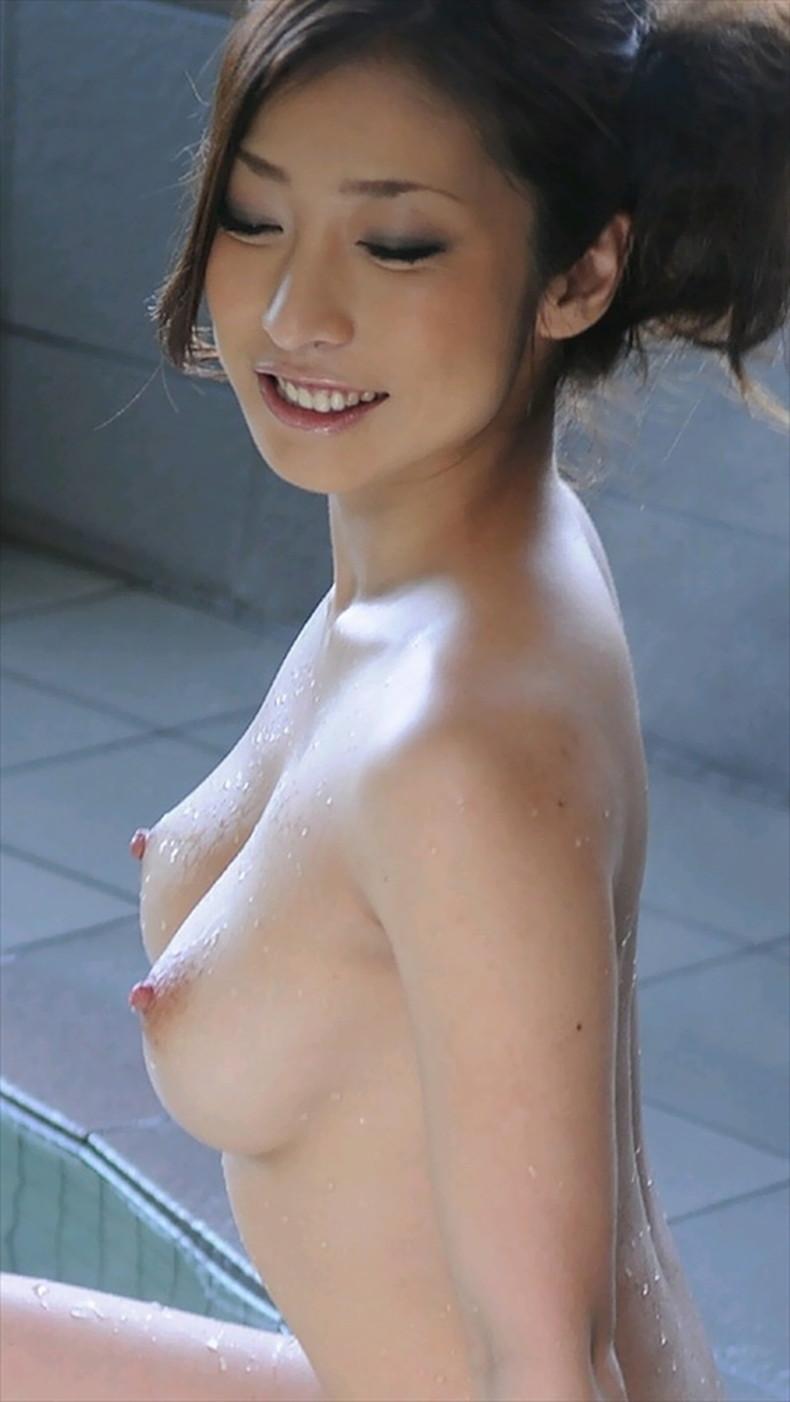【おっぱい】美しいお姉さんのピンク乳首は宝石以上ww吸い付いてちんぽを擦りつけたくなる美しい乳首のおっぱい画像集!ww【80枚】 59