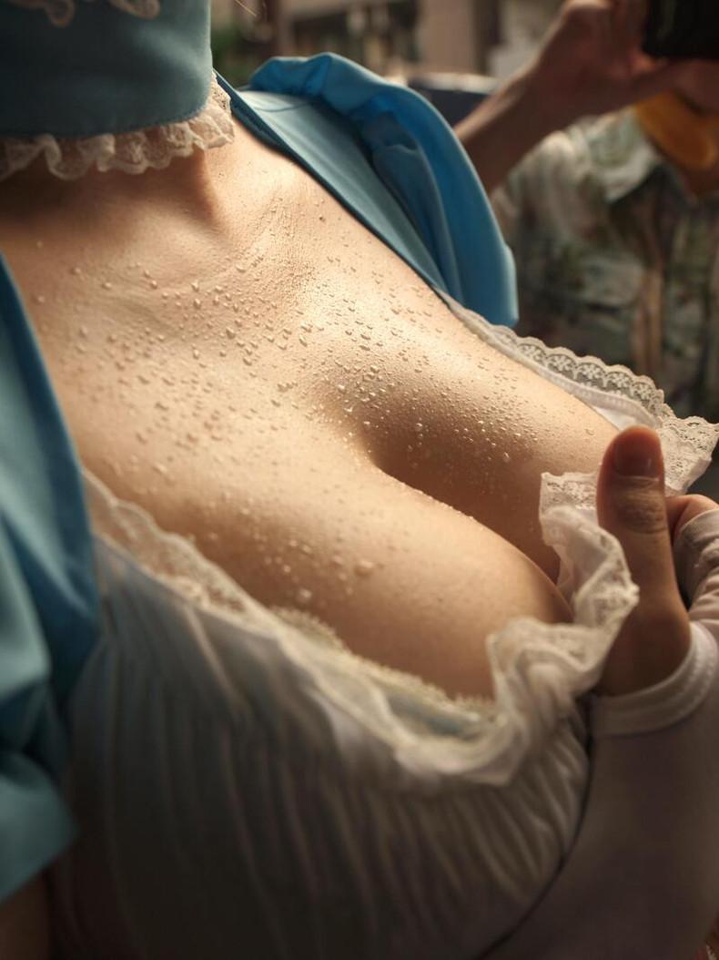 【おっぱい】汗まみれの濡れた乳首や巨乳が塩味強めで舐めたくなる汗まみれのおっぱい画像集!ww【80枚】 28