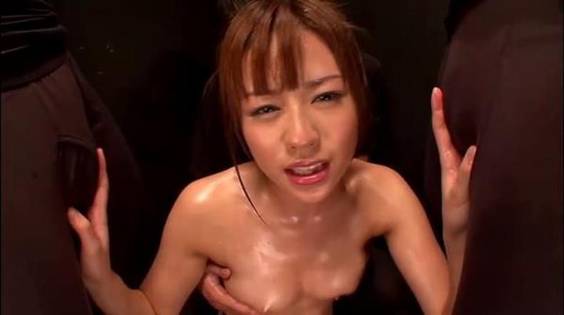 【おっぱい】汗まみれの濡れた乳首や巨乳が塩味強めで舐めたくなる汗まみれのおっぱい画像集!ww【80枚】 42