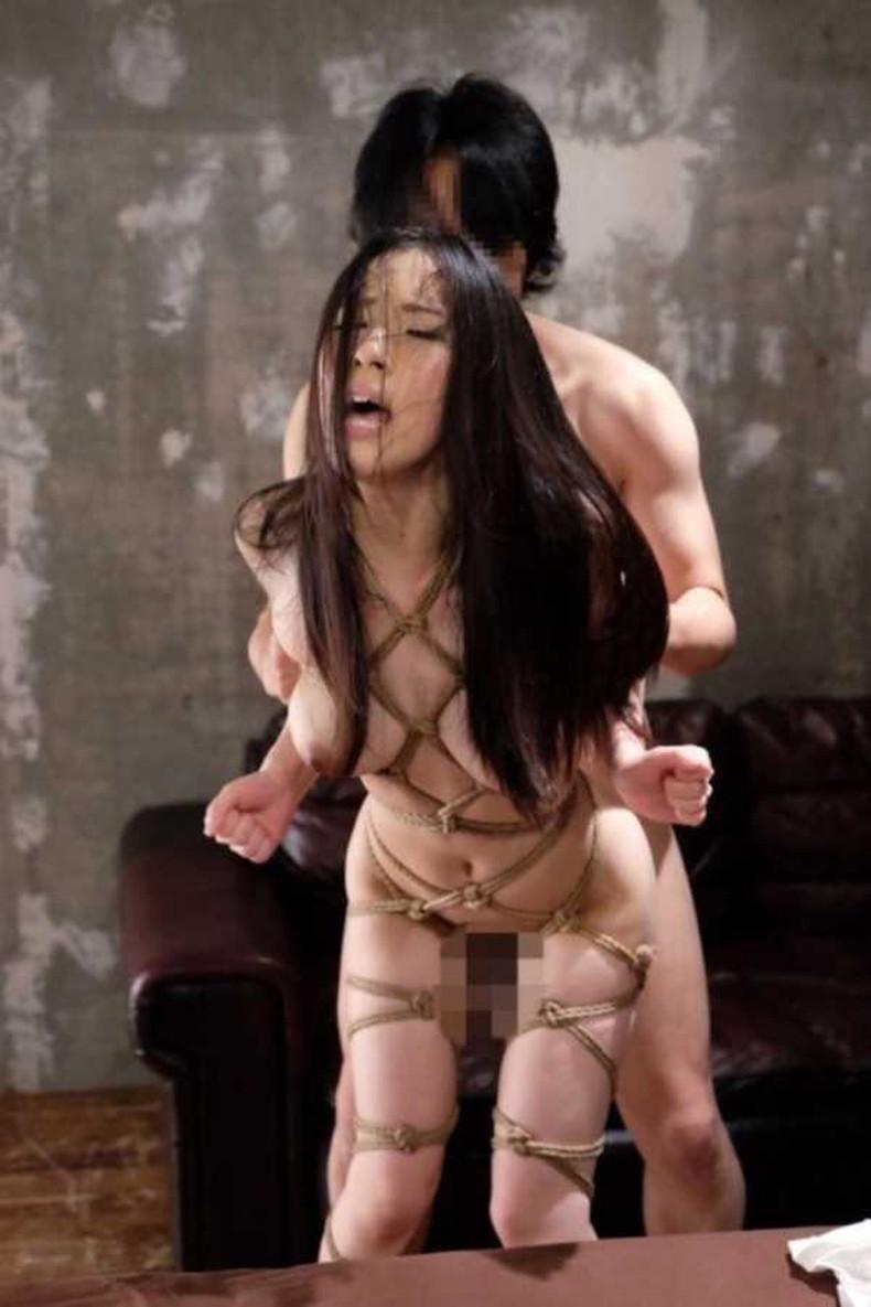 【おっぱい】縛られロープに食い込みハミ出る乳肉がエロ過ぎる!緊縛プレイされてるドマゾ美女の縛られるおっぱい画像集w【80枚】 64