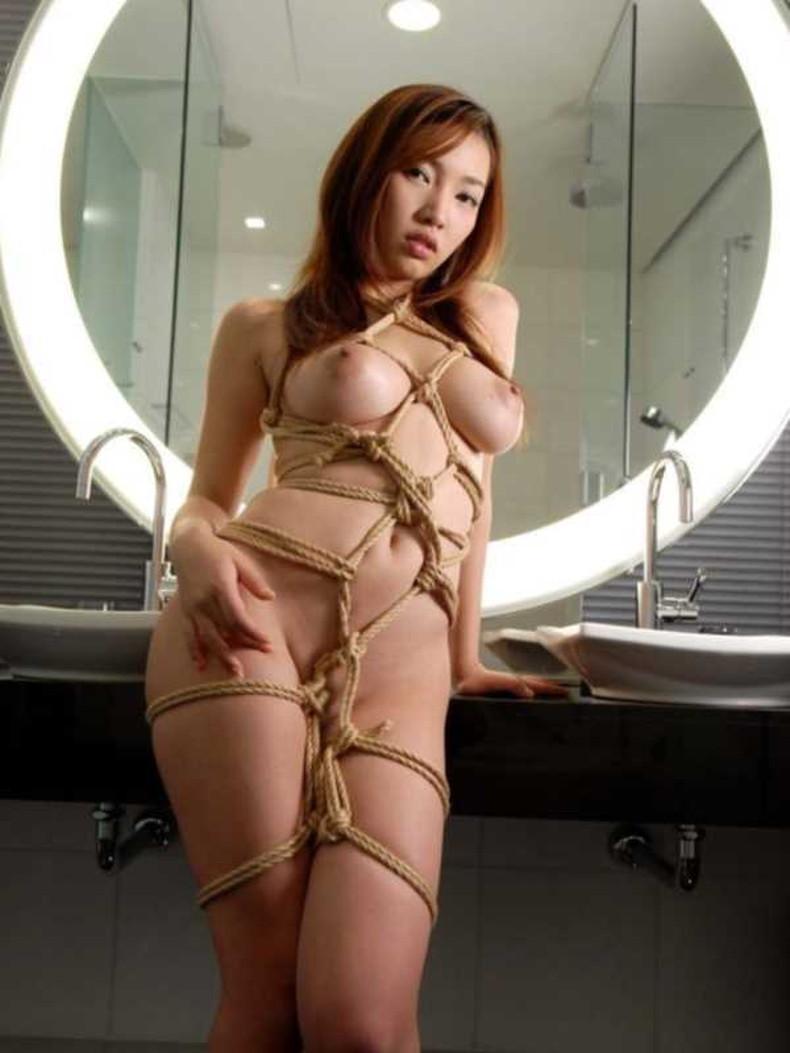 【おっぱい】縛られロープに食い込みハミ出る乳肉がエロ過ぎる!緊縛プレイされてるドマゾ美女の縛られるおっぱい画像集w【80枚】 76