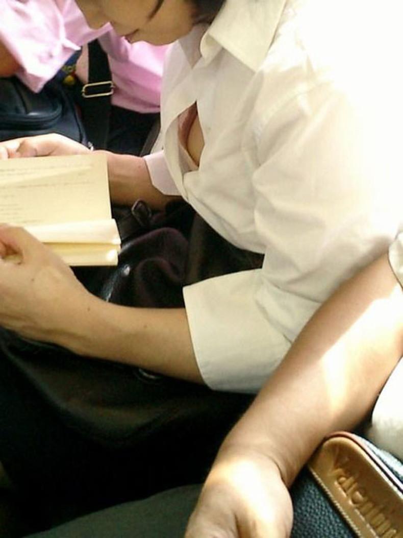 【おっぱい】男性用のYシャツを羽織ったノーブラ娘や純白のブラウスからブラや乳首が透けてる白シャツ女子のおっぱい画像集ww【80枚】 34
