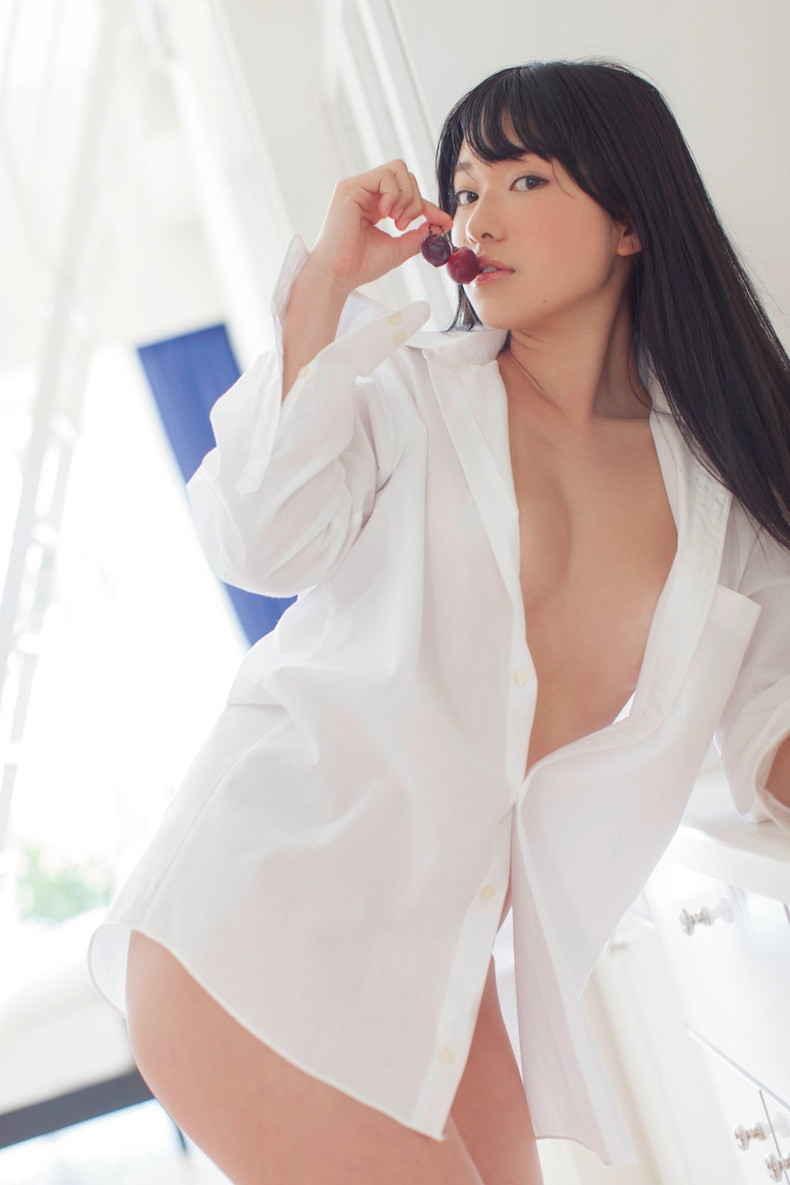 【おっぱい】男性用のYシャツを羽織ったノーブラ娘や純白のブラウスからブラや乳首が透けてる白シャツ女子のおっぱい画像集ww【80枚】 57