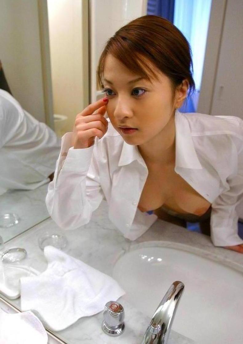 【おっぱい】男性用のYシャツを羽織ったノーブラ娘や純白のブラウスからブラや乳首が透けてる白シャツ女子のおっぱい画像集ww【80枚】 60