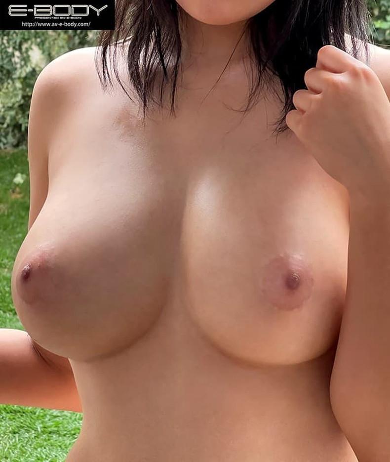 【おっぱい】美少女やキレイなお姉さんによく似合うピンク乳首の超美乳!!美し過ぎる乳輪や乳頭を弄りたくなるピンク色乳首のおっぱい画像集!ww【80枚】 39