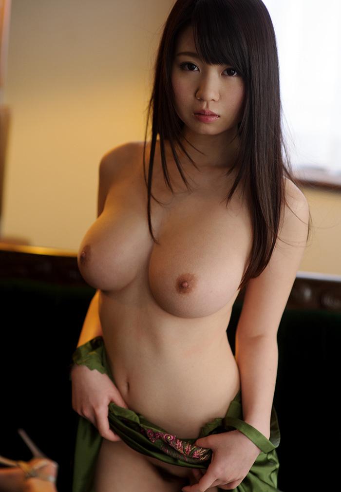 【おっぱい】巨乳と爆乳のちょうどイイ境目であるFカップおっぱい画像集【80枚】 54