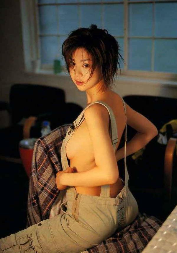 【おっぱい】ナマ乳オーバーオールとかいう裸エプロンに匹敵するエロアイテムを着こなす美巨乳女子のオーバーオールおっぱい画像集【80枚】 56