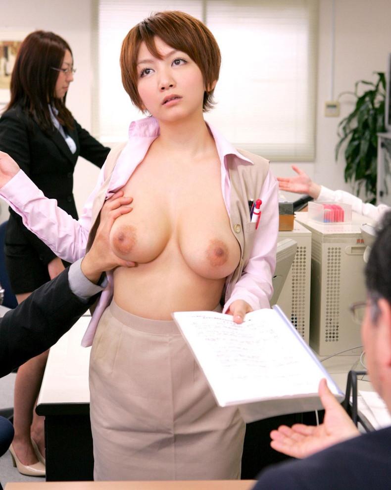 【おっぱい】ボーイッシュなショートカット女子がむっちり美巨乳を露出させてギャップ萌え!ボーイッシュ女子のおっぱい画像集【80枚】 44
