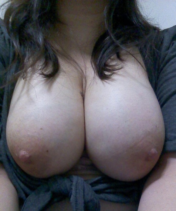 【おっぱい】肉感ばっちりなエロボディお姉さんたちのハリのある巨乳が見たい人に捧げるむちむち巨乳のおっぱい画像集【80枚】 15