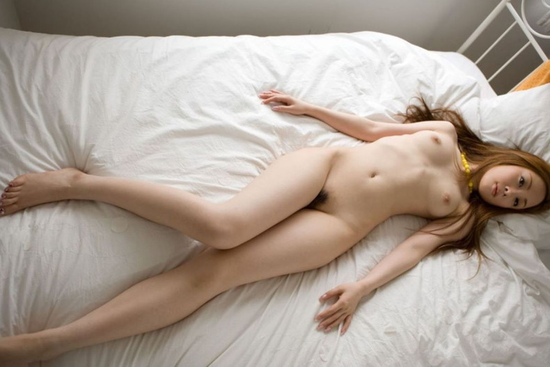 【おっぱい】美脚で美乳とか舐めたいところが多すぎるハイスペックギャル達の美脚おっぱい画像集【80枚】 75