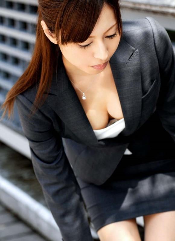 【おっぱい】彼氏がいようとも上司にオフィスで制服やスーツを脱がされちんこ挿入されちゃうOLの寝取られおっぱい画像集【80枚】 43