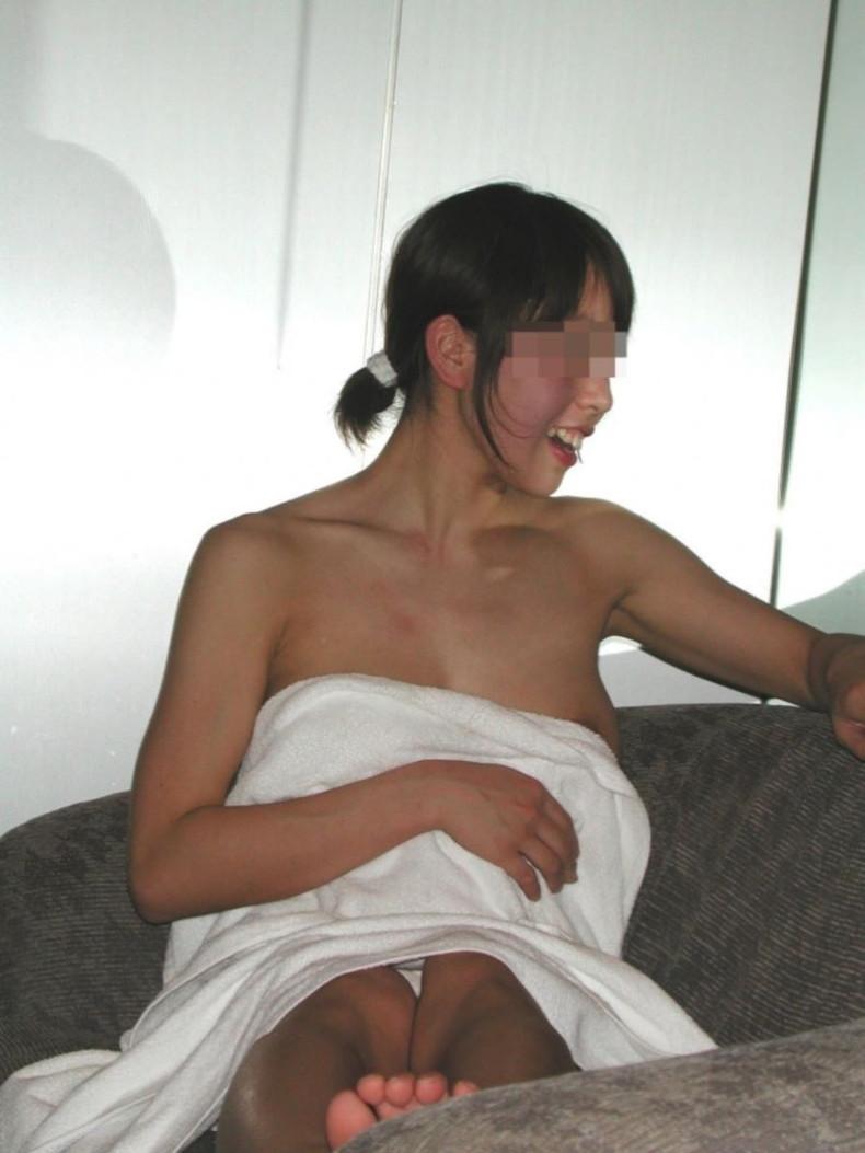【おっぱい】風呂上がりにバスタオル巻いて乳首がハミ出しちゃってる女の子ってソソられますよねw【80枚】 54