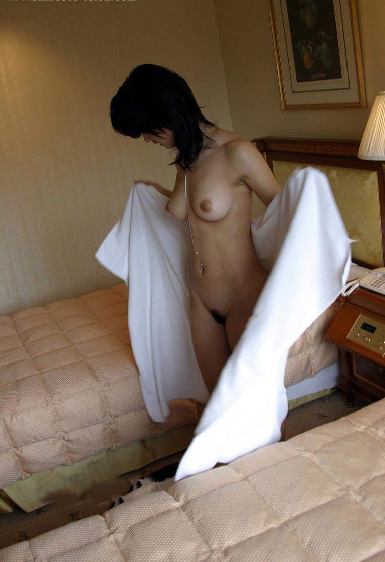 【おっぱい】風呂上がりにバスタオル巻いて乳首がハミ出しちゃってる女の子ってソソられますよねw【80枚】 57