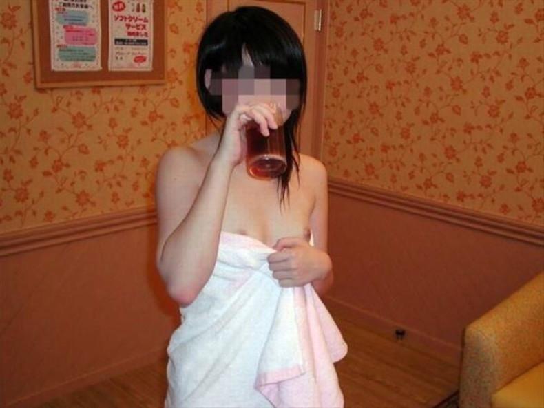 【おっぱい】風呂上がりにバスタオル巻いて乳首がハミ出しちゃってる女の子ってソソられますよねw【80枚】 76