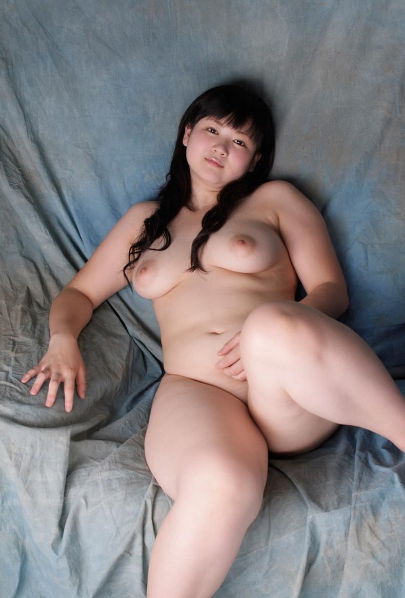 【おっぱい】デブじゃなくて豊満!!ちょいぽっちゃりな巨乳娘たちの豊満おっぱい画像集【80枚】 18