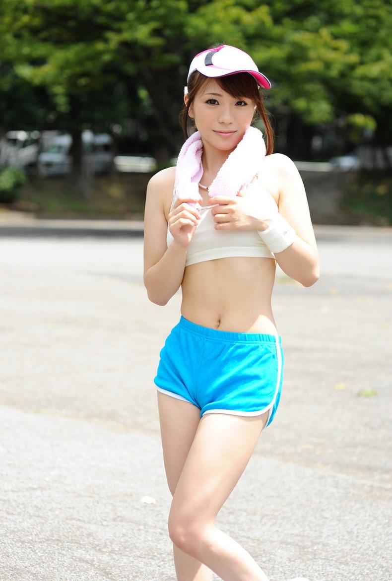 【おっぱい】ジョギングしてて乳首が透けたりおっぱいがエロいことになってる巨乳娘とすれ違い僕はUターンして尾行した【80枚】 04
