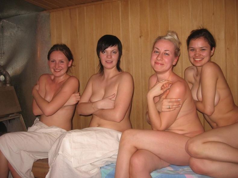 【おっぱい】海外のサウナで美巨乳外人お姉さんたちが乳首露出して時にレズプレイやハーレム乱交しちゃってるサウナおっぱい画像集【80枚】 36