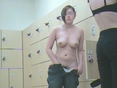 【おっぱい】すみません素人女子のおっぱい見た過ぎて脱衣所を隠し撮りしちゃいました....脱衣所盗撮のおっぱい画像集【80枚】 44