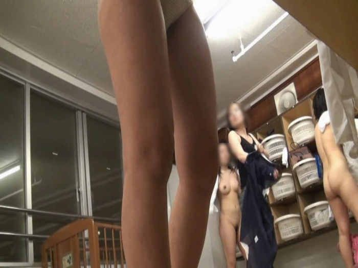 【おっぱい】すみません素人女子のおっぱい見た過ぎて脱衣所を隠し撮りしちゃいました....脱衣所盗撮のおっぱい画像集【80枚】 70
