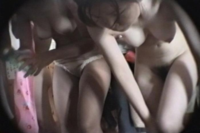 【おっぱい】すみません素人女子のおっぱい見た過ぎて脱衣所を隠し撮りしちゃいました....脱衣所盗撮のおっぱい画像集【80枚】 75