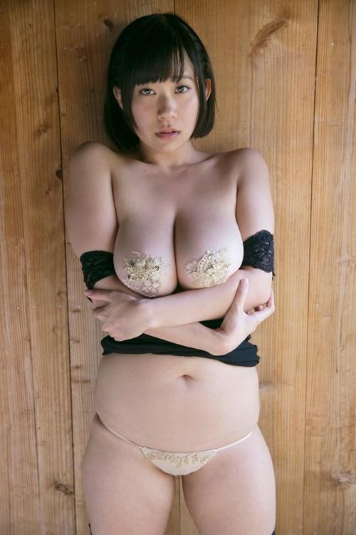 【おっぱい】ちょいブスな女の子が爆乳や美乳を露出すると美少女よりもエロく感じちゃう!ちょうどいいブスのおっぱい画像集【80枚】 44