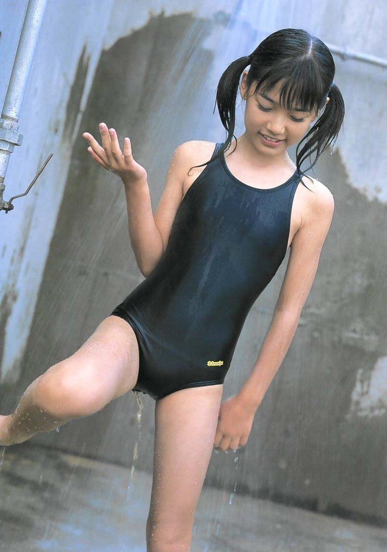 【おっぱい】ロリなちっぱいや発育良すぎる巨乳がぴったりくっつくスクール水着が大好きすぎるスク水おっぱい画像集【80枚】 13