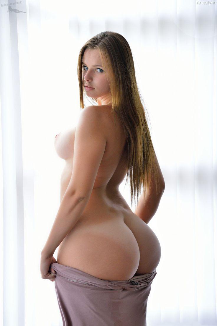 【おっぱい】ハイスペックな美女が美乳と美尻を同時に披露してくれてる美尻娘のおっぱい画像集【80枚】 52
