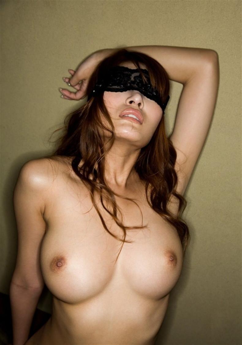 【おっぱい】目隠しされて乳首ギンギンにボッキさせてちんこをおねだりしてるドM女の目隠しおっぱい画像集w【80枚】 24