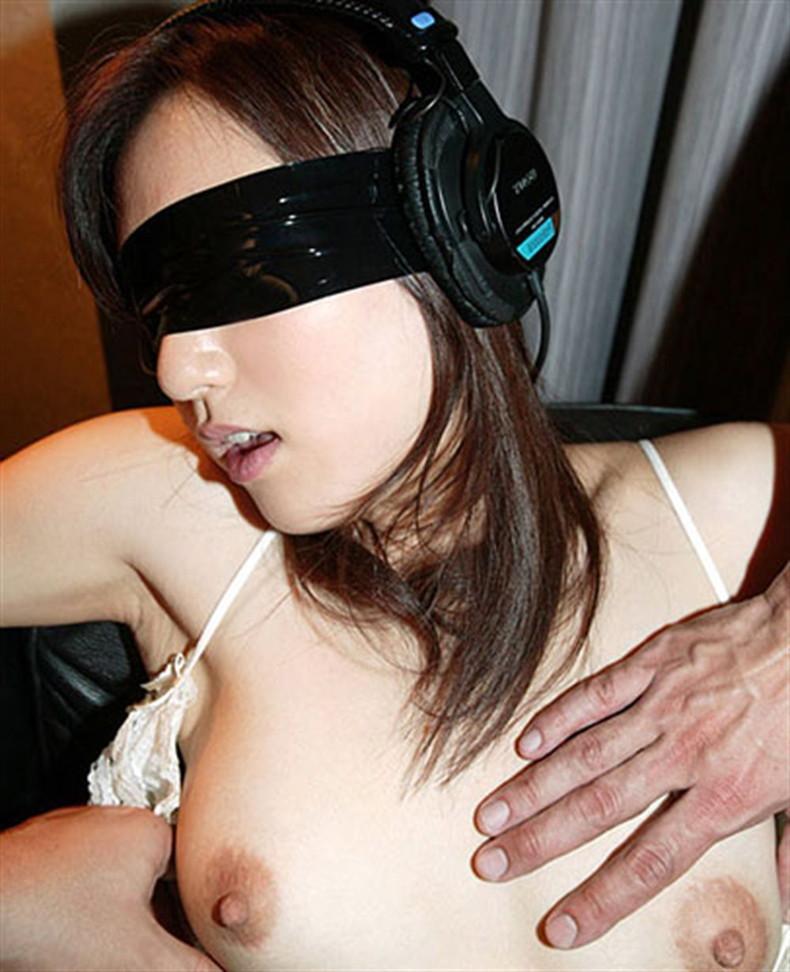 【おっぱい】目隠しされて乳首ギンギンにボッキさせてちんこをおねだりしてるドM女の目隠しおっぱい画像集w【80枚】 62