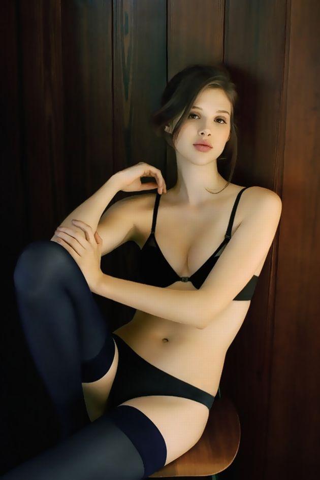 【おっぱい】全裸にニーハイソックスというロリ感たっぷりなビッチ女子たちがフェラしたりチンコ挿入されちゃってるニーソおっぱい画像集【80枚】 61