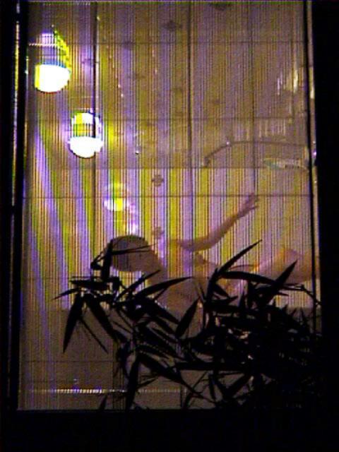 【おっぱい】カーテンで美乳を透けさせる美少女や窓ガラスから覗いて盗撮する素人娘のおっぱいが尋常じゃなくエロい件【80枚】 55
