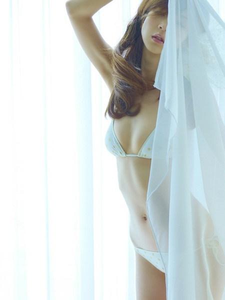 【おっぱい】カーテンで美乳を透けさせる美少女や窓ガラスから覗いて盗撮する素人娘のおっぱいが尋常じゃなくエロい件【80枚】 58