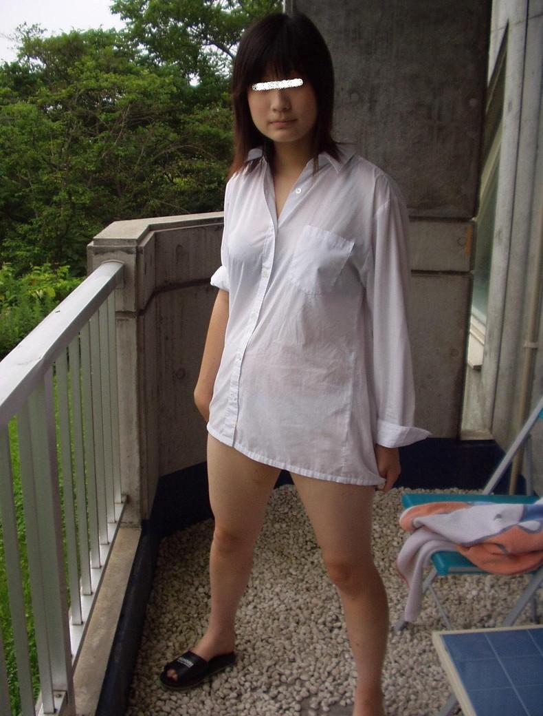 【おっぱい】素敵な美乳お姉さんたちが白Yシャツ羽織って乳首を透けさせたり谷間を強調させてるYシャツおっぱい画像集【80枚】 29