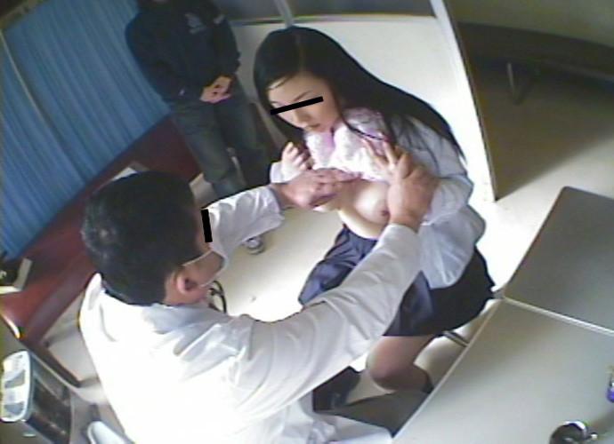 【おっぱい】学校の身体測定でJCやJKの成長段階のおっぱいを弄っちゃってる鬼畜医師の健康診断おっぱい画像集【80枚】 46
