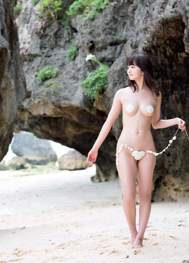 【おっぱい】ビーチの巨乳ギャルは皆この水着になったらイイなと思う貝殻ビキニおっぱい画像集【80枚】 72