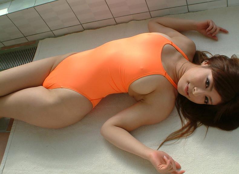 【おっぱい】わがままボディの巨乳をぴっちぴちに包んでハミ乳ハミ肉させてる競泳水着のおっぱい画像集【80枚】 54