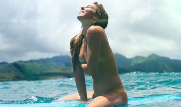 【おっぱい】露出狂状態で波乗りを愉しんじゃってる女子サーファーのおっぱい画像集【80枚】 07