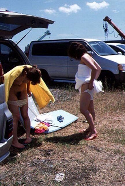 【おっぱい】露出狂状態で波乗りを愉しんじゃってる女子サーファーのおっぱい画像集【80枚】 17