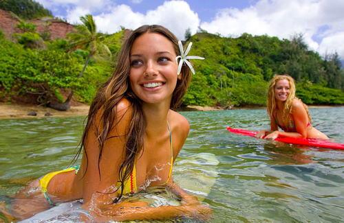 【おっぱい】露出狂状態で波乗りを愉しんじゃってる女子サーファーのおっぱい画像集【80枚】 21