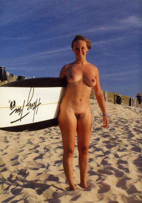 【おっぱい】露出狂状態で波乗りを愉しんじゃってる女子サーファーのおっぱい画像集【80枚】 34