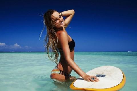 【おっぱい】露出狂状態で波乗りを愉しんじゃってる女子サーファーのおっぱい画像集【80枚】 49