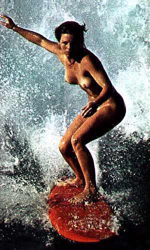 【おっぱい】露出狂状態で波乗りを愉しんじゃってる女子サーファーのおっぱい画像集【80枚】 55