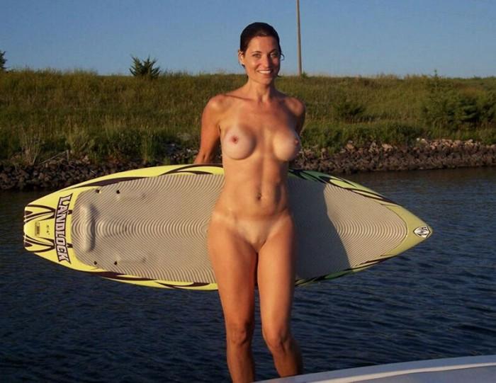 【おっぱい】露出狂状態で波乗りを愉しんじゃってる女子サーファーのおっぱい画像集【80枚】 71