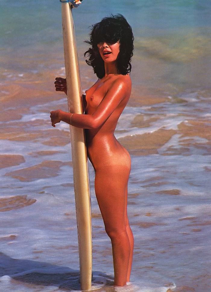 【おっぱい】露出狂状態で波乗りを愉しんじゃってる女子サーファーのおっぱい画像集【80枚】 74